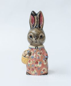 Bunny in Dress with Basket, VFA Nr. 18002