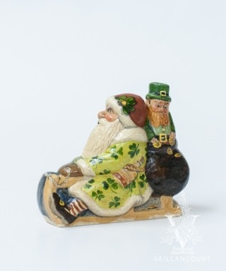 Irish Santa on Sled with Leprechaun, VFA Nr. 18017