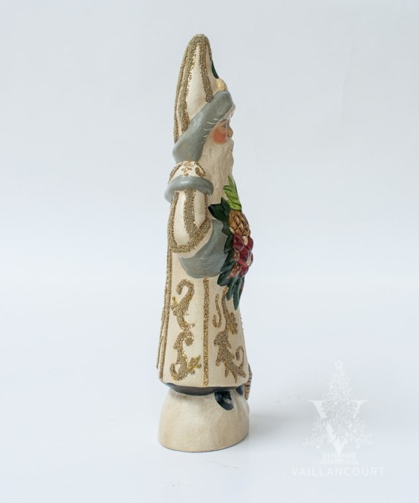 Colonial Santa with Pineapple in White (Hand Beaded Coat), VFA Nr. 19052